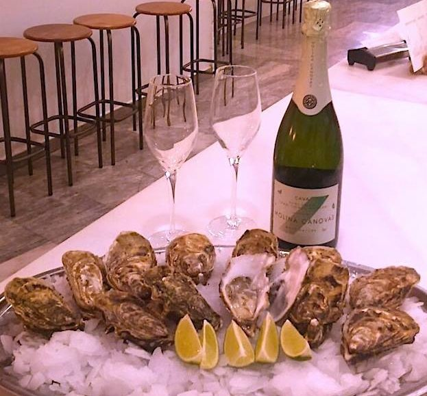 promocion san valentin: 12 ostras belle huitre más botella de cava por 24 euros